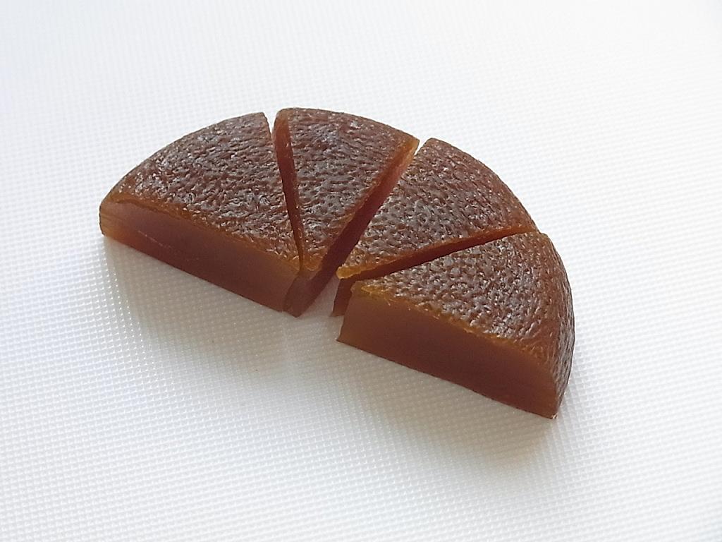 丸柚餅子の切り方4.銀杏切り - 柚餅子総本家中浦屋